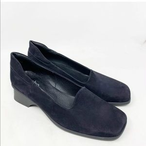 Arche suede heeled loafer